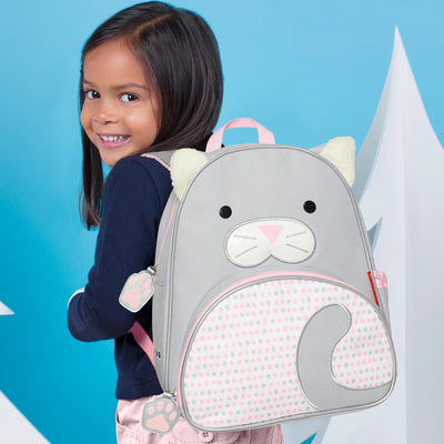 Girl with Skip Hop Winter Zoo Little Kid Backpack in Cat