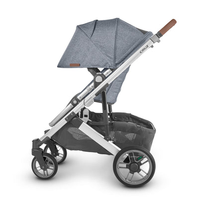 UPPAbaby CRUZ V2 2020 Stroller in Gregory side view with seat reversed
