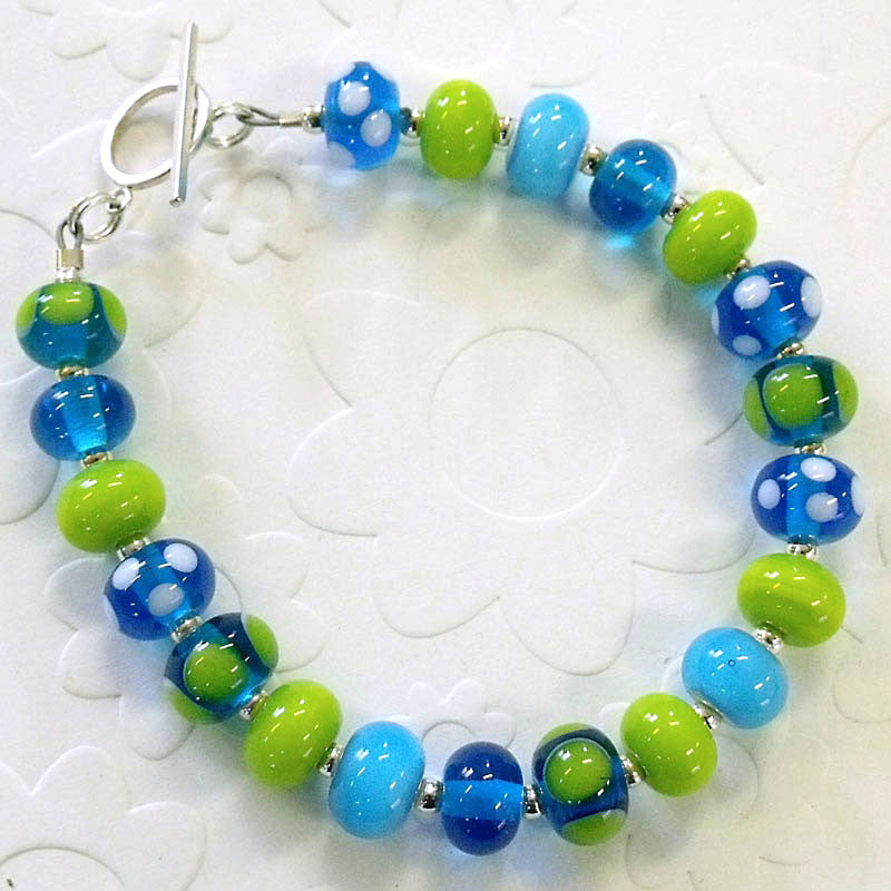 grass and sky mini bead bracelet