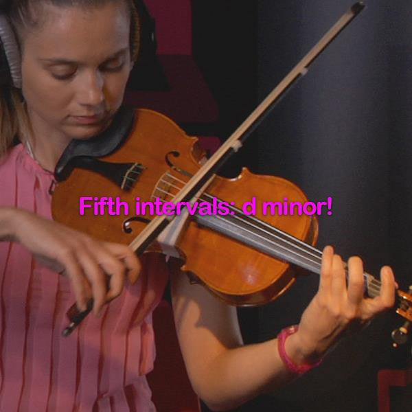 Lesson 124: Fifth intervals: d minor! - violino online, play violin online,   - tocar violin online, уроки игры на скрипке, Metodo Mirkovic - cours de violon en ligne, geige online lernen
