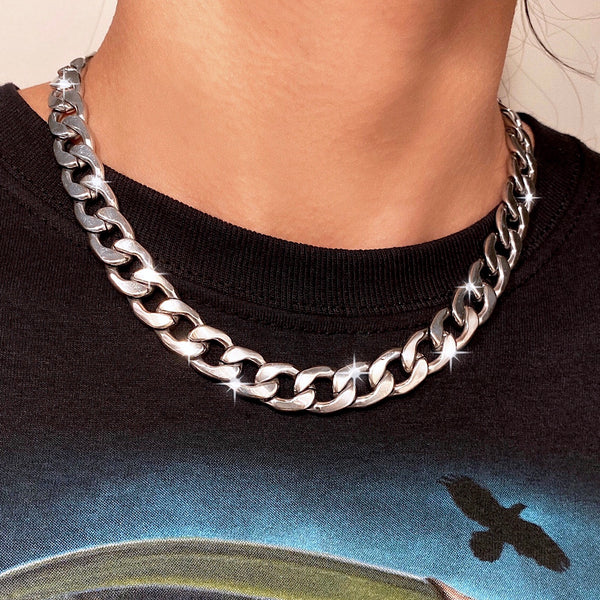 CHUNKY CURB NECKLACE