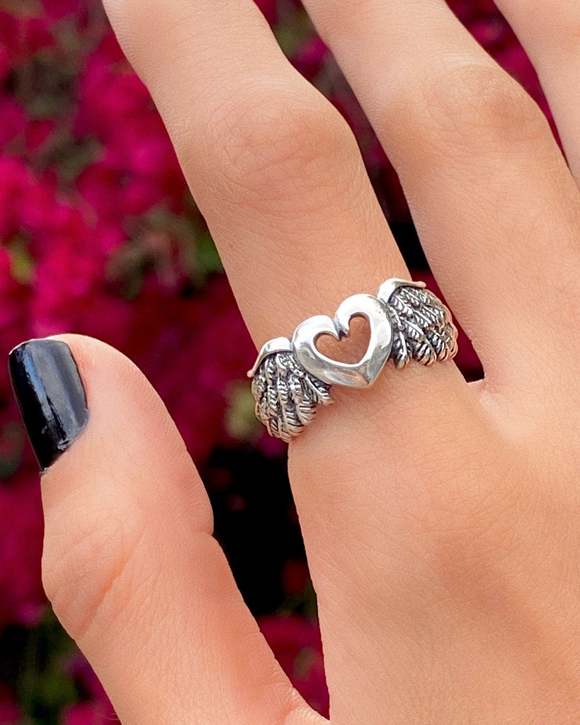 FLY AWAY LOVE RING