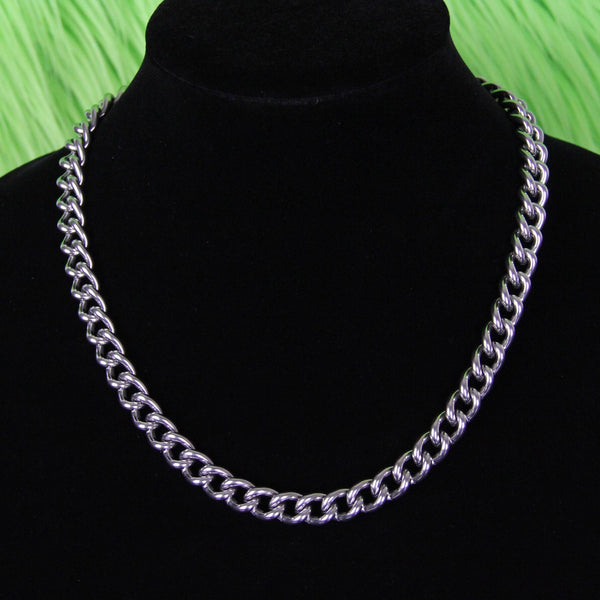 MINIMALIST CURB NECKLACE