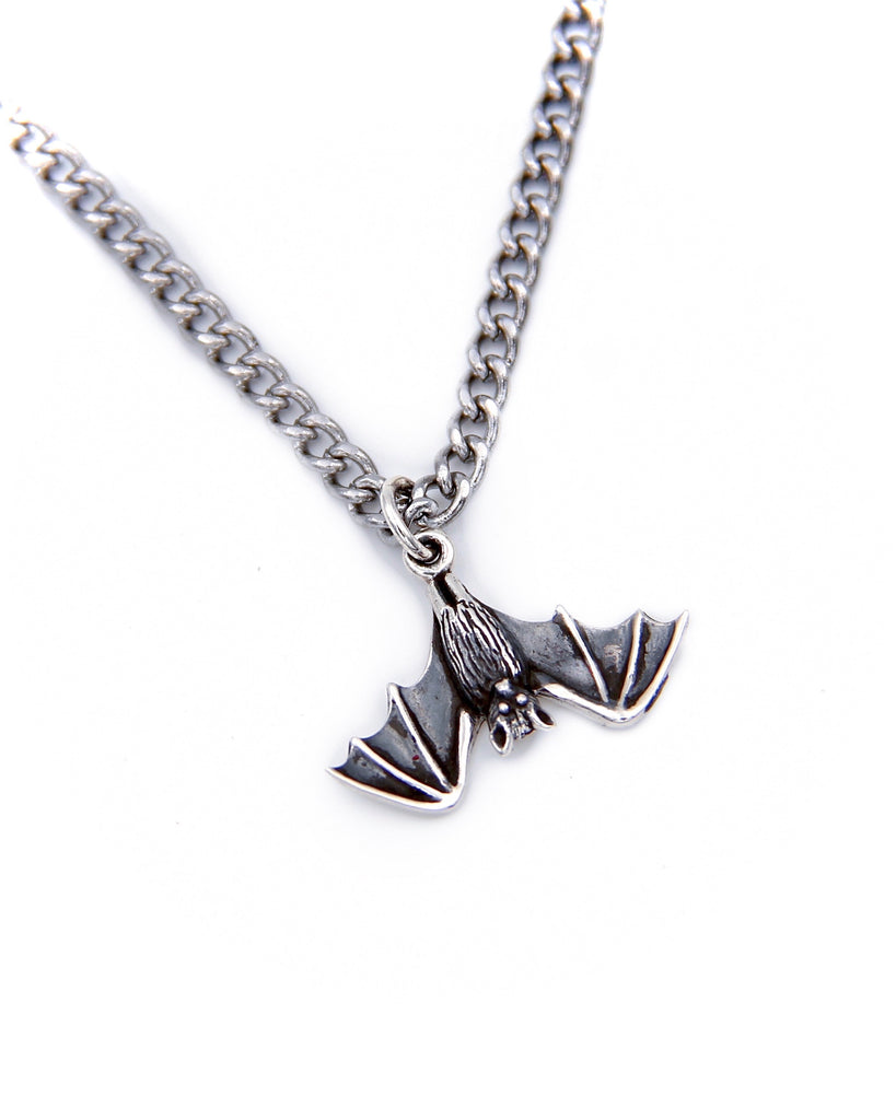 LIL BATTY NECKLACE