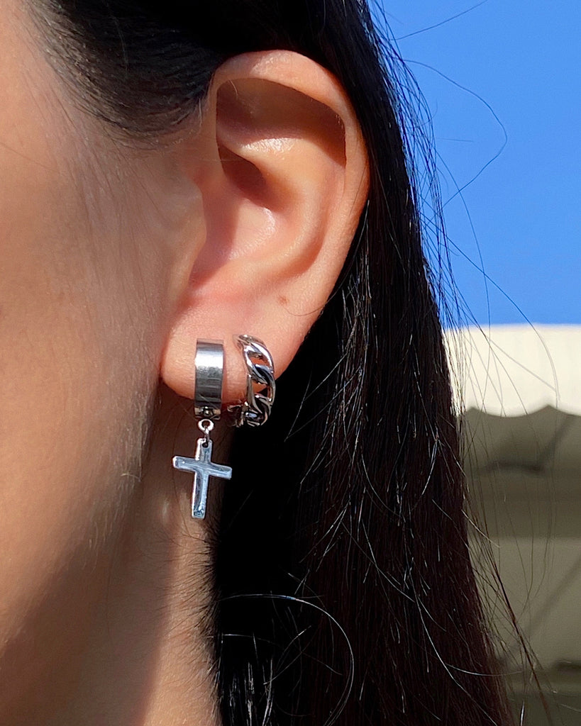 THE ESSENTIAL CROSS EARRINGS