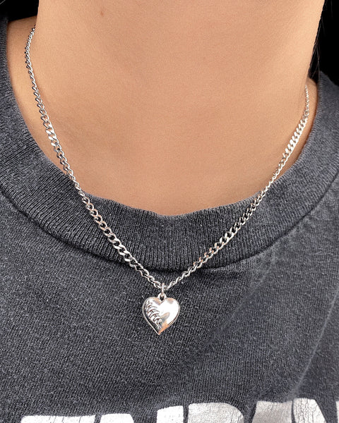 FRAGILE HEART NECKLACE
