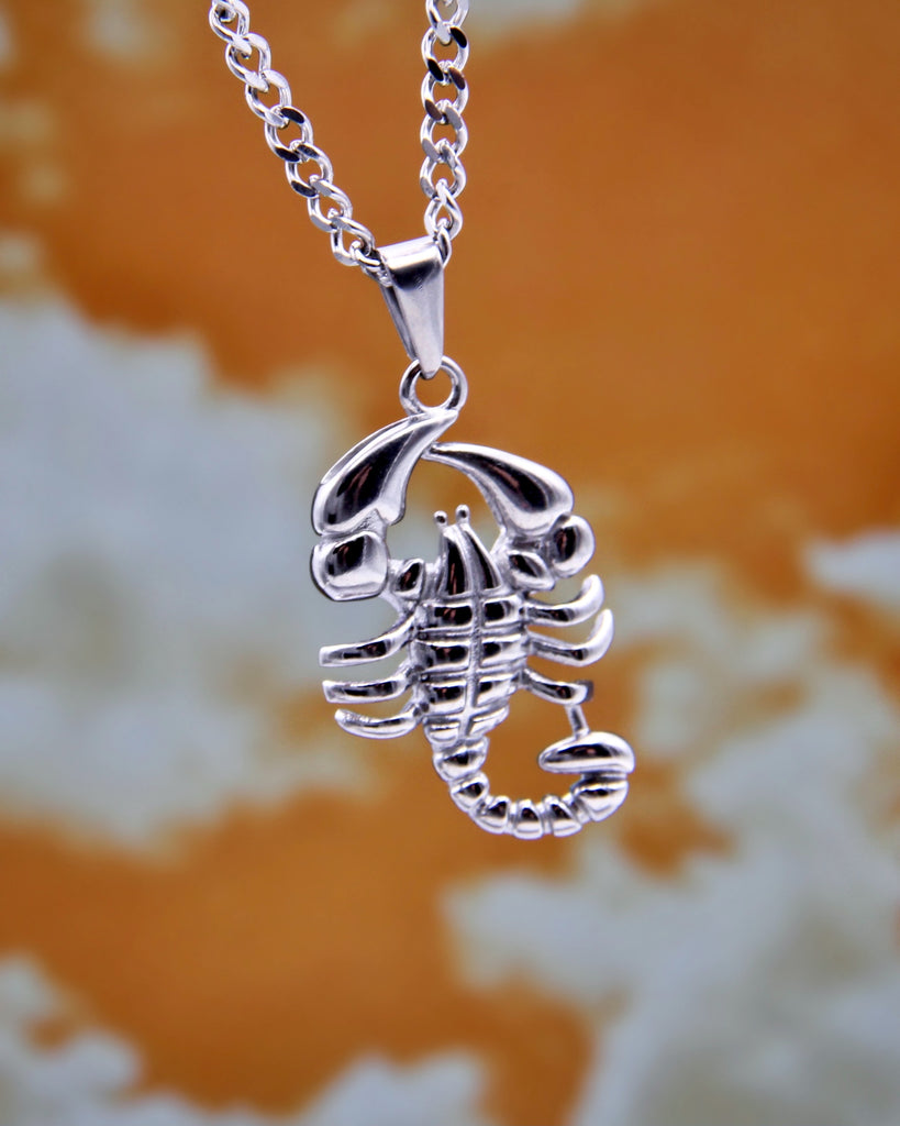 DEADLY SCORPION NECKLACE