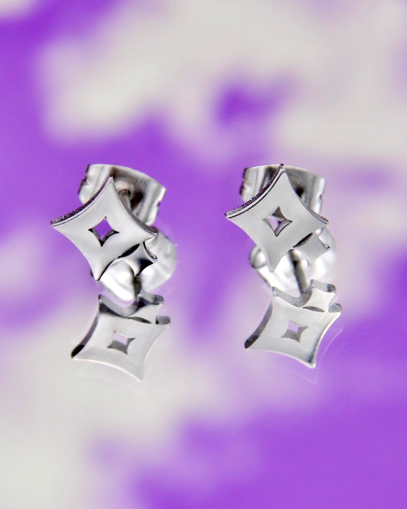 TWINKLE STUD EARRINGS