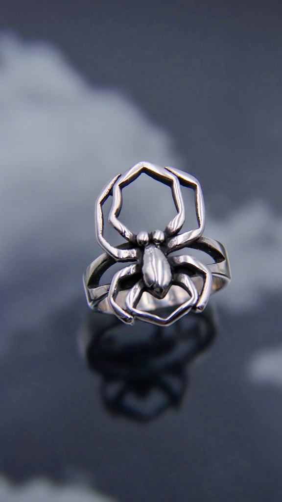 WICKED SPIDER RING
