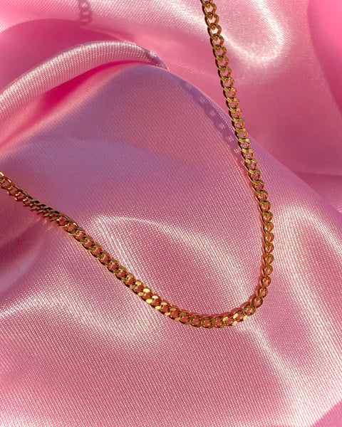 GOLD DAINTY CUBAN NECKLACE