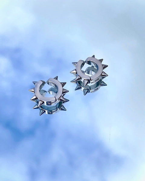 SPIKE CLIP ON HOOPS