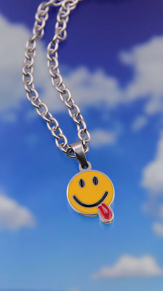 SUS SMILEY FACE NECKLACE