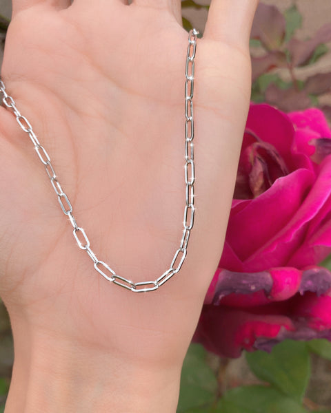THE DAINTY PAPER CLIP CHAIN NECKLACE
