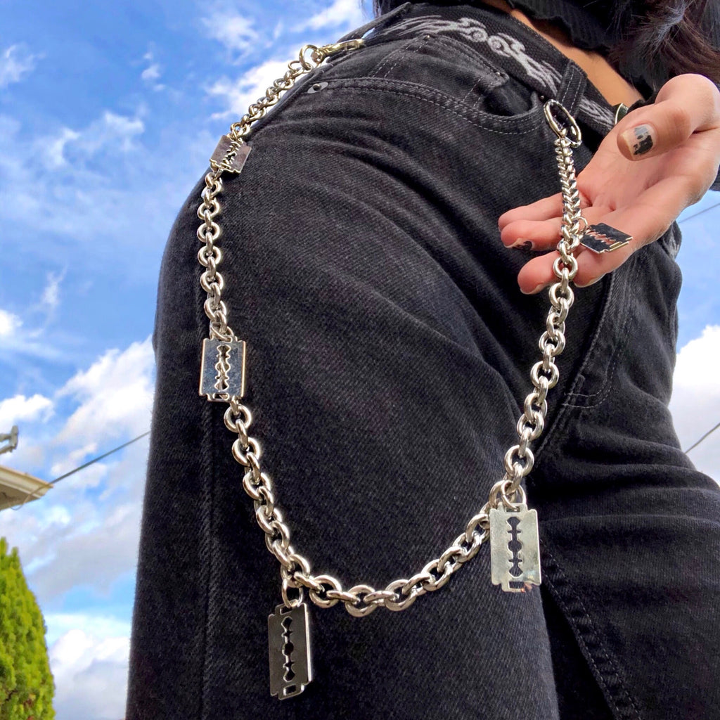 THE RAZOR EDGE WALLET CHAIN