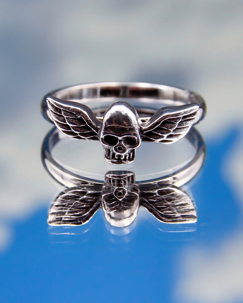 ANGELIC SKULL RING