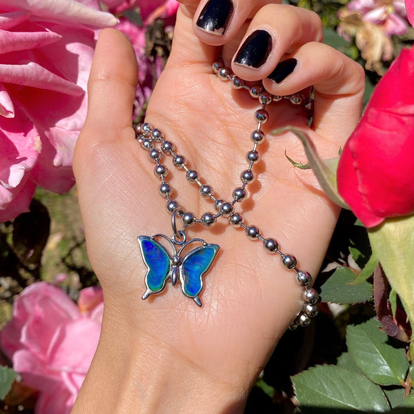 IT'S A MOOD BUTTERFLY NECKLACE