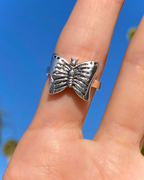 BUTTERFLY QT RING
