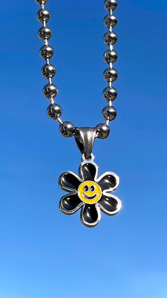 HAPPY DAISY NECKLACE