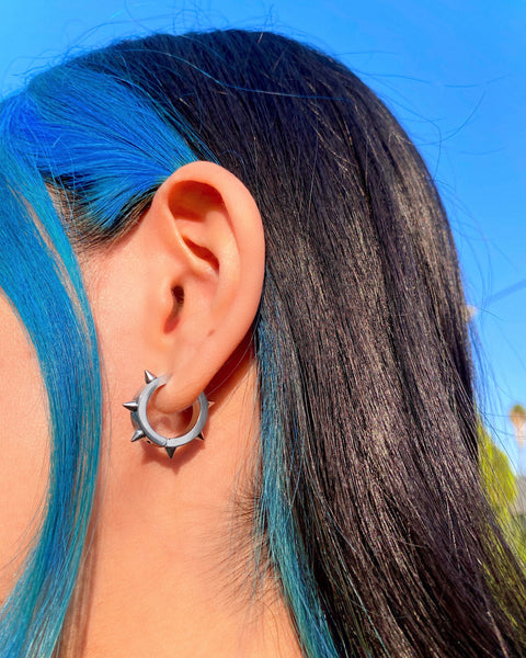 SKATER SPIKE HOOP EARRINGS