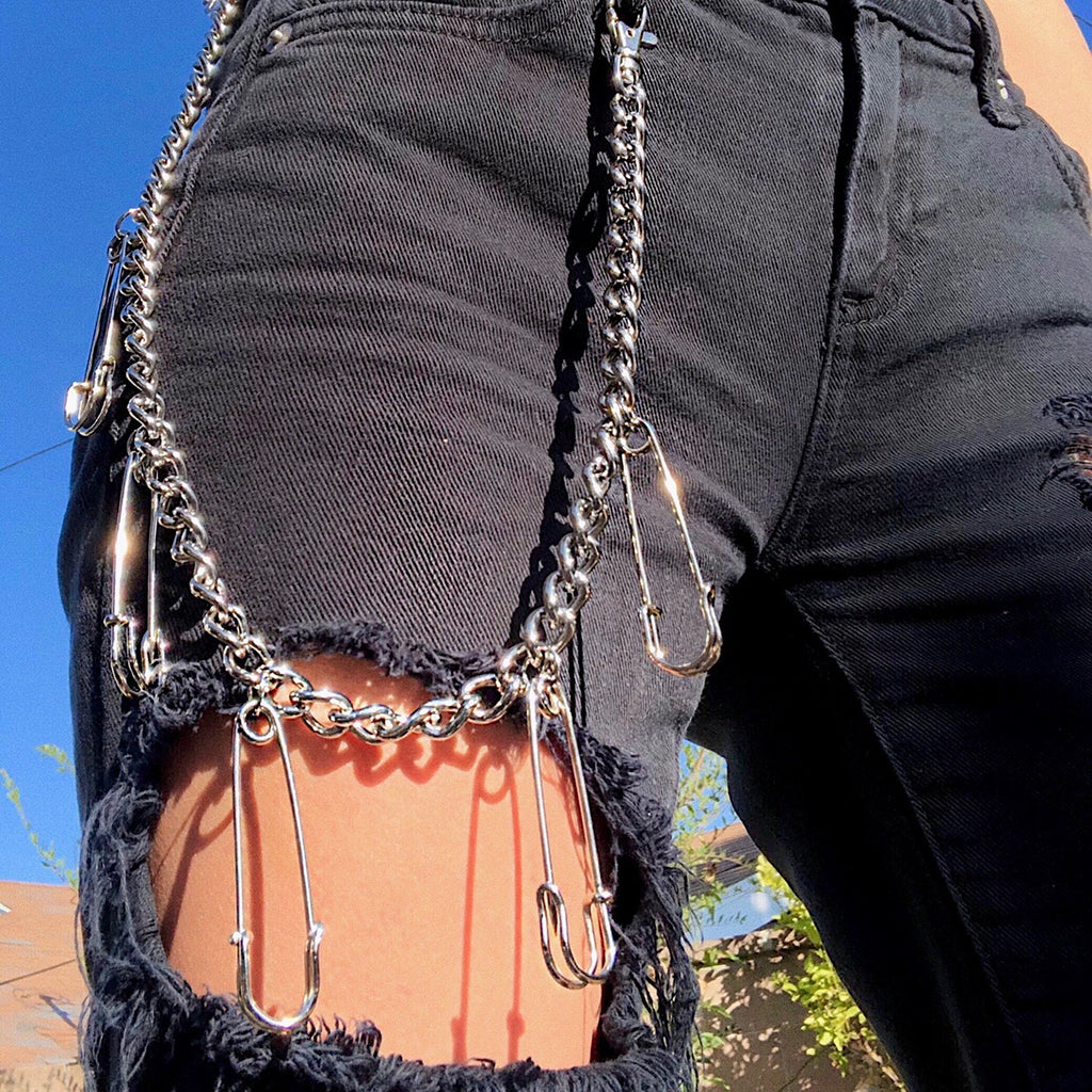 SAFETY PIN PANT CHAIN