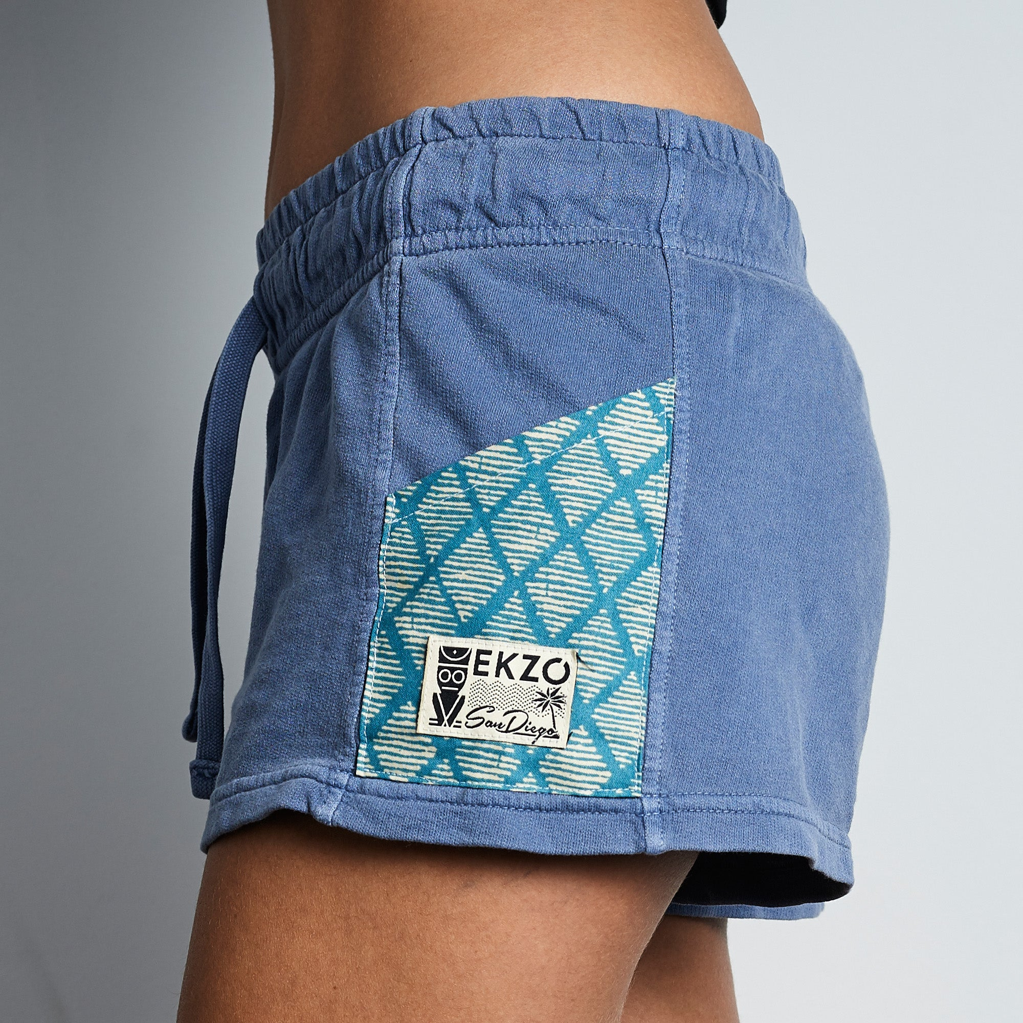 Pocketed Shorts on Thunder Blue - EKZO