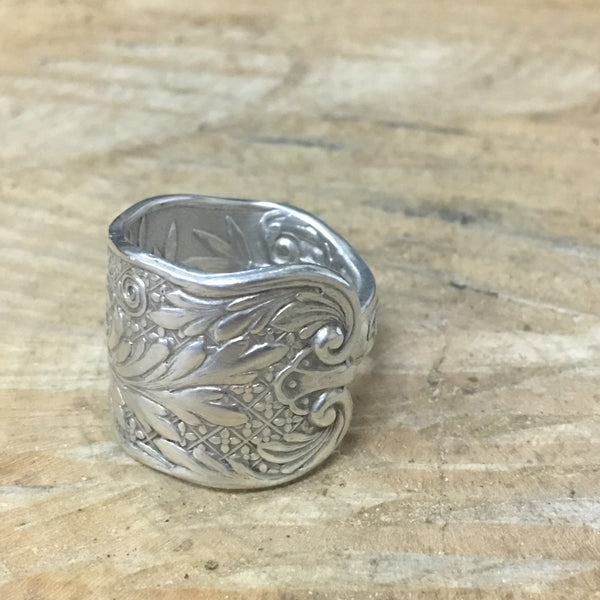 Vintage Leaf and Swirl Motif Sterling band ring