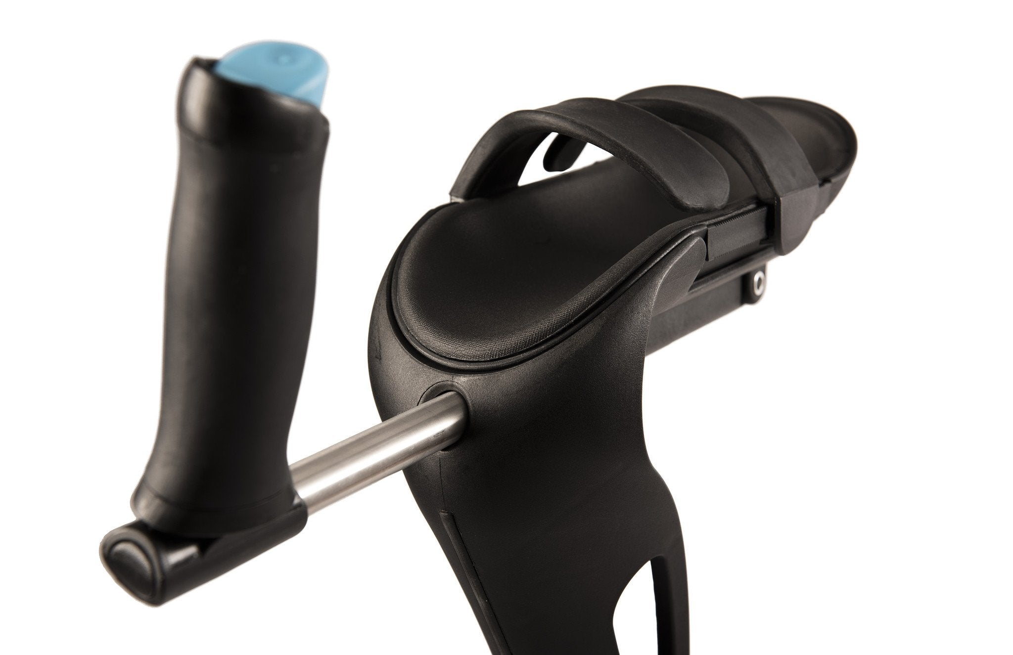 The antimicrobial arm pad of the M+D Crutch cradles the elbow and removes pressure on the armpit, wrist and hand