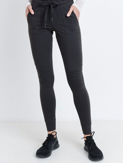 Finish Line Workout Pants in Charcoal Grey