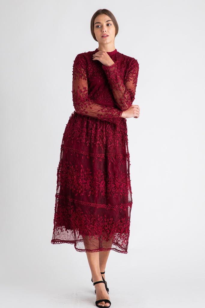 Noel Midi Lace Dress in Cranberry