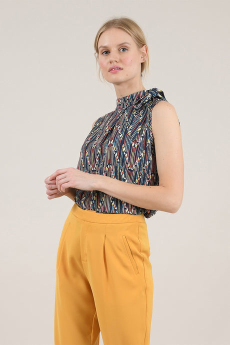 MOLLY BRACKEN ZIGZAG SLEEVELESS PRINTED TOP