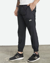 Load image into Gallery viewer, RVCA YOGGER PANT MENS BLACK