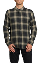 Load image into Gallery viewer, EZEKIEL NICO LONGSLEEVE BUTTON DOWN OLIVE