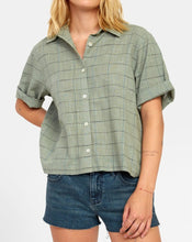 Load image into Gallery viewer, RVCA FOREIGN BUTTON UP SHIRT SEAGRASS