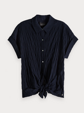 Load image into Gallery viewer, SMOCKED KNOTTED SHORT SLEEVESCOTCH & SODA SMOCKED KNOTTED SHORT SLEEVE