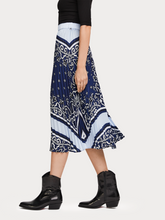 Load image into Gallery viewer, SCOTCH & SODA PLEATED SATIN SKIRT