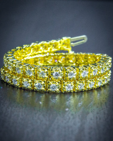 9.61 CT.  Prong Setting Tennis Diamond Bracelet in 10K Gold