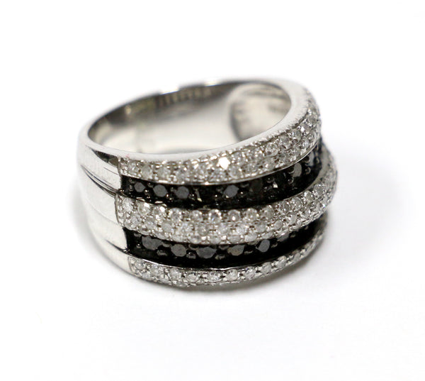 1.49 CT. Black & White Diamond Wedding Band in 10K White Gold