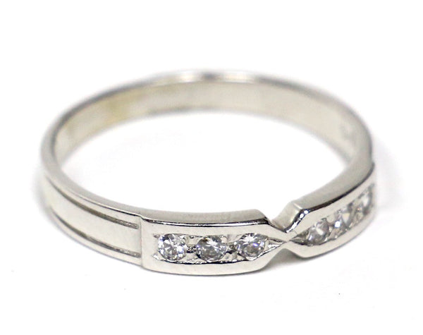 0.10 CT. Tapered Centre Diamond Wedding Band in 14K White Gold