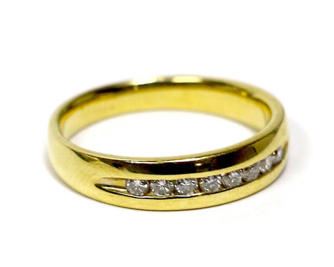 0.14 CT. Diamond Wedding Band in 10K Yellow Gold