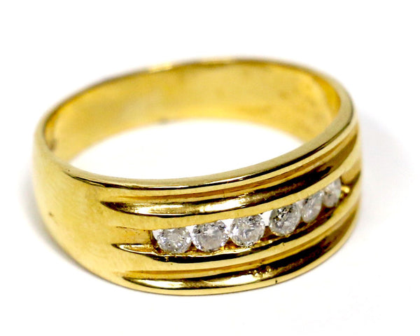 0.50 CT. Single Row Diamond Wedding Band in 18K Yellow Gold