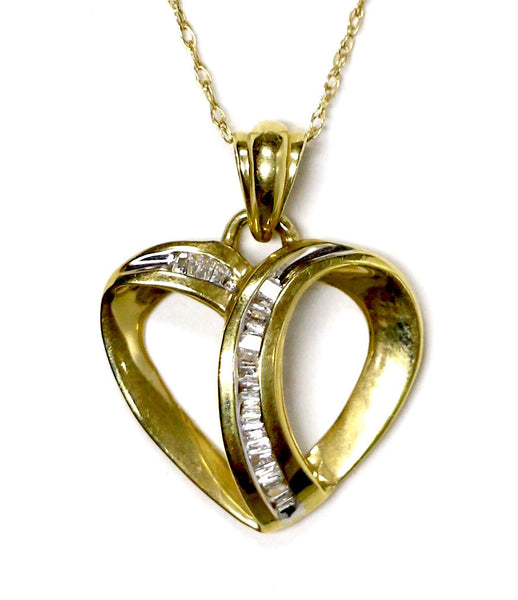0.17 CT. Looping Heart Diamond Pendant in 14K Yellow Gold (Chain Included)