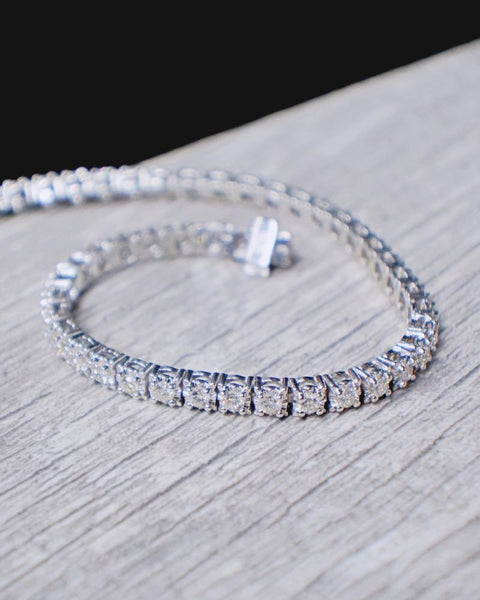 3.30 CT. Diamond Bracelet in 10K White Gold*