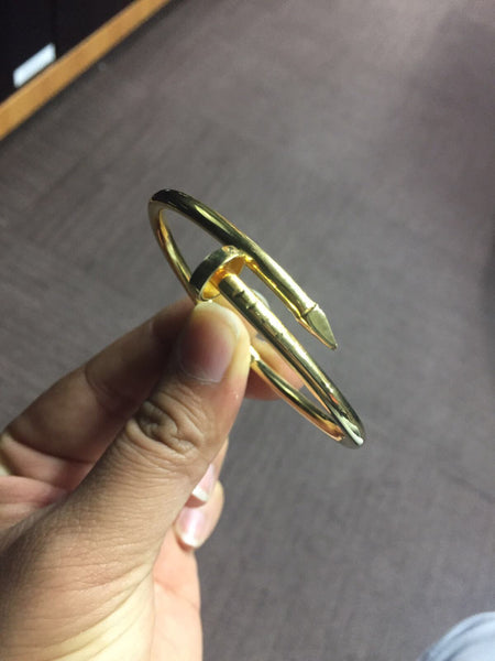 18KT Gold Bangle Special (2)