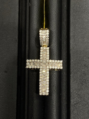 1.00 CT. Diamond Cross Pendant in 10K Yellow Gold