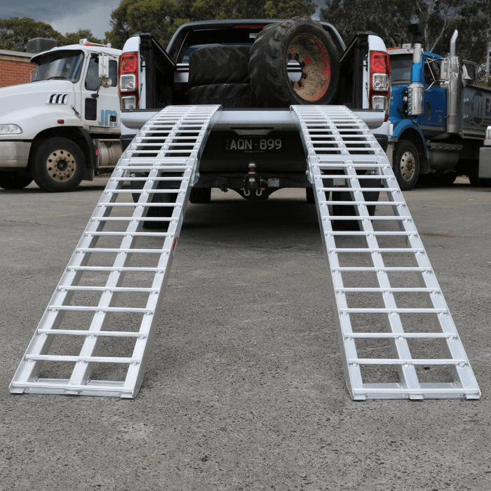 Heeve 2.3m x 1.3-Tonne Alum. Curved Folding Heavy-Duty Loading Ramps - Heeve - Ramp Champ