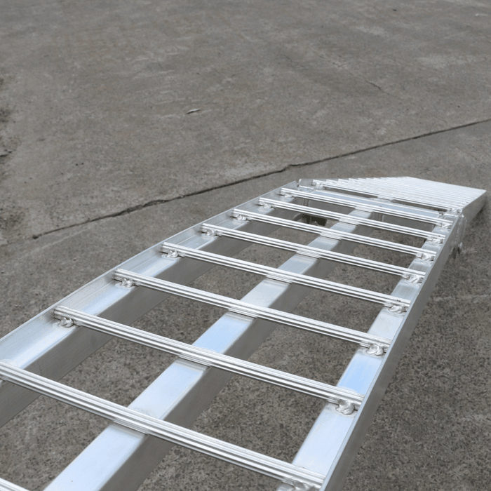 Heeve 2.3m x 1.3-Tonne Alum Curved Folding Heavy-Duty Lawn Mower Ramps - Heeve - Ramp Champ