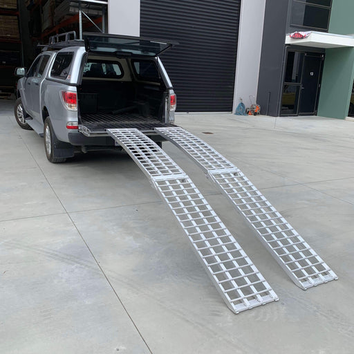 Heeve 3m x 1-Tonne Alum. Curved Folding Heavy-Duty Lawn Mower Ramps - Heeve - Ramp Champ