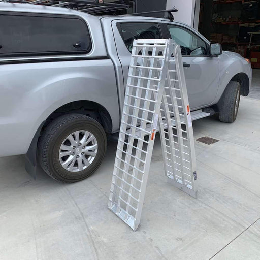 Heeve 3m x 500kg Aluminium Curved Folding Heavy-Duty Motorcycle Ramp - Heeve - Ramp Champ
