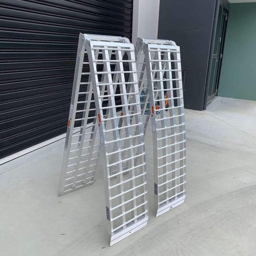 Heeve 3m x 1-Tonne Aluminium Curved Folding Heavy-Duty Loading Ramps