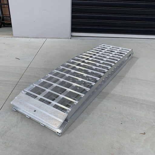 Heeve 3m x 1-Tonne Aluminium Curved Folding Heavy-Duty ATV Ramps